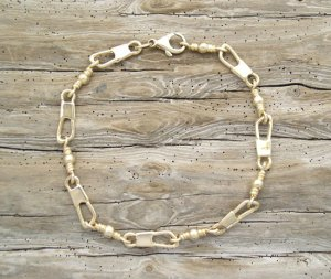 fish swivel-14k-bracelet